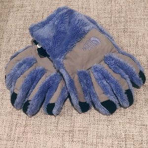 The North Face Fuzzy Osito eTip Winter gloves